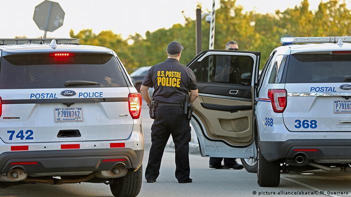 Florida Polizei Paketbombenfund (picture-alliance/abaca/C.M. Guerrero)
