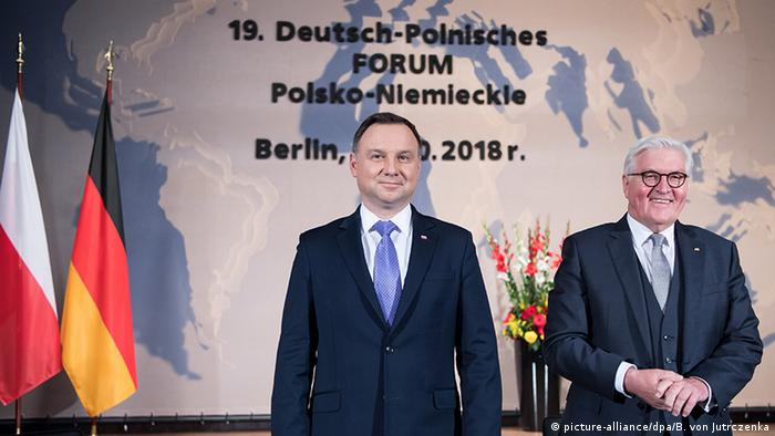 Andrzej Duda, preşedintele Poloniei (în centrul imaginii) şi Frank-Walter Steinmeier, preşedintele Germaniei, la ediţia cu numărul 19 a Forumului Germano-Polonez