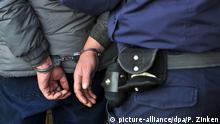 Symbolbild - polizeiliche Festnahme