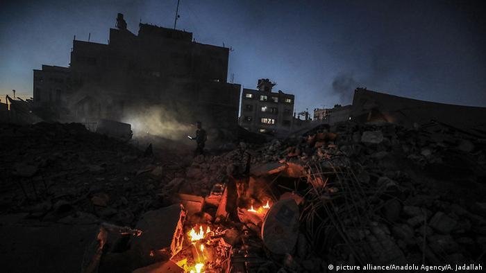 GAZA CITY, GAZA Israelische Luftangriffe auf Gazastreifen (picture alliance/Anadolu Agency/A. Jadallah)