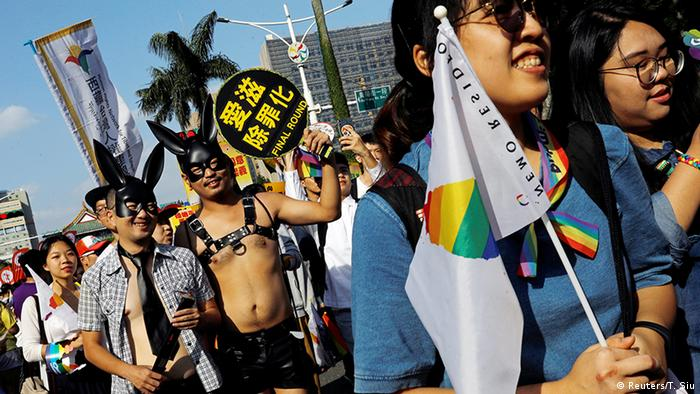 Gay Pride Parade in Taiwan (Reuters/T. Siu)