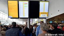 Passengers wait during a strike by Aviapartner baggage handlers at Zaventem international airport near Brussels, Belgium October 27, 2018. REUTERS/Eric Vidal