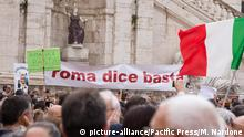 Italien - Demonstration #RomaDiceBasta in Rom