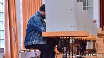 Landtagswahl in Hessen Ginsheim-Gustavsburg (Getty Images/AFP/T. Silz)