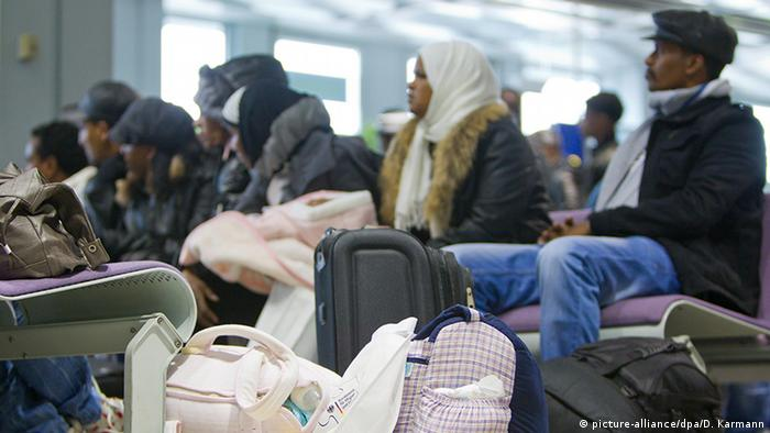 Picture of Eritrean refugees (picture-alliance/dpa/D. Karmann)
