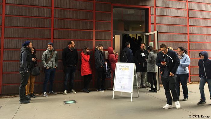 Deutschland Köln Wähler Präsidentschaftswahlen Brasilien (DW/E. Kokay)