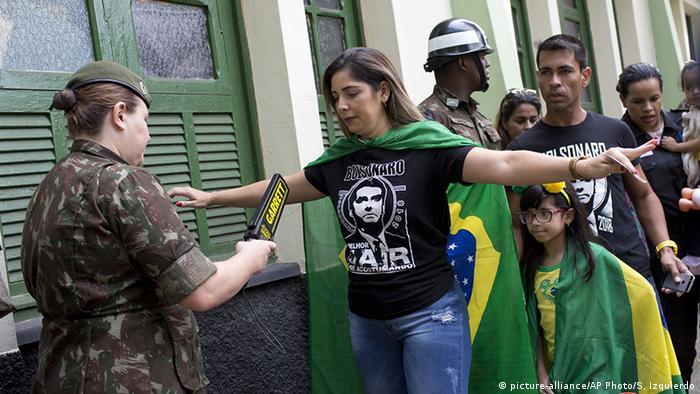 Brasilien Präsidentschaftswahlen Sicherheitsmaßnahmen (picture-alliance/AP Photo/S. Izquierdo)