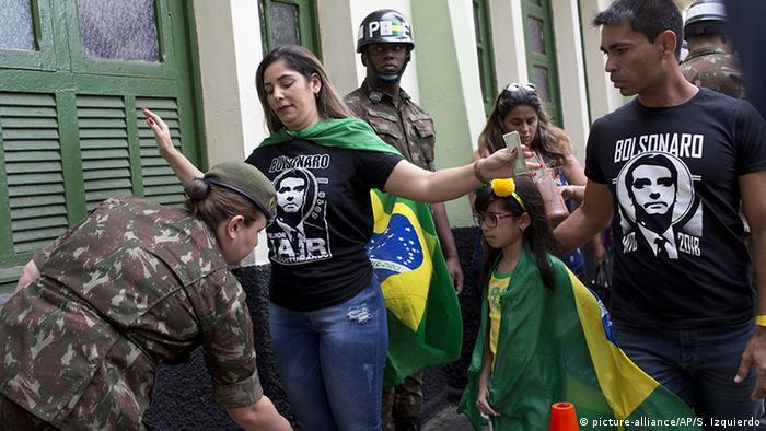 Brasilien Präsidentschaftswahlen Sicherheitsmaßnahmen (picture-alliance/AP/S. Izquierdo)