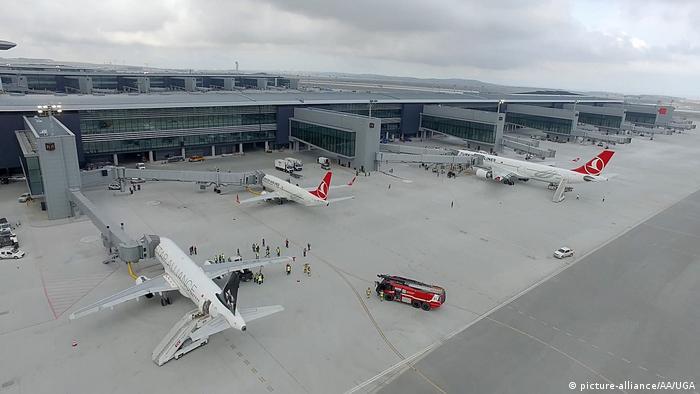 Türkei Istanbul neuer Flughafen (picture-alliance/AA/UGA)