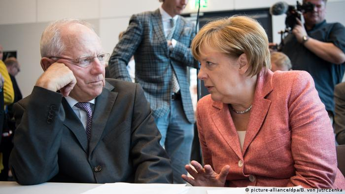 Председатель бундестага Вольфганг Шойбле и канцлер ФРГ Ангела Меркель