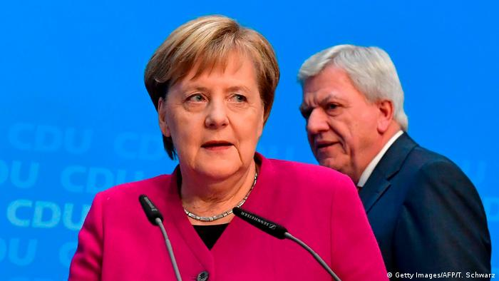 German Chancellor Angela Merkel and Hesse state premier Volker Bouffier (Getty Images/AFP/T. Schwarz)