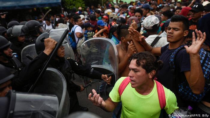 Mittelamerika Flüchtlings-Caravan Richtung USA (Getty Images/AFP/S. Billy)