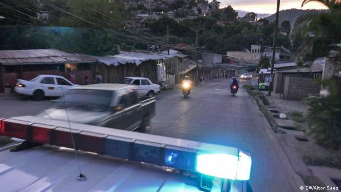 Honduras warum verlassen Migranten ihre Heimat (DW/Aitor Saez)