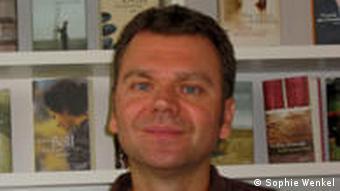 Olaf Petersenn ist Lektor beim KiWi-Verlag (Foto: Sophie Wenkel)