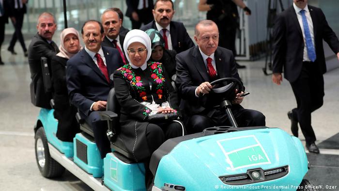 Recep Tayyip ve Emine Erdoğan / İstanbul Havalimanı açılışı 29.10.2018)