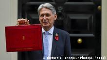 UK Großbritannien - Finanzminister Hammond zum britischen Haushalt