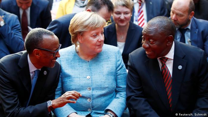Deutschland Afrika-Gipfel bei Bundeskanzlerin Angela Merkel (Reuters/A. Schmidt)