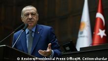 Erdogan bei AKP-Sitzung