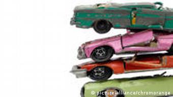 Autounfall Symbolbild Spielzeugautos