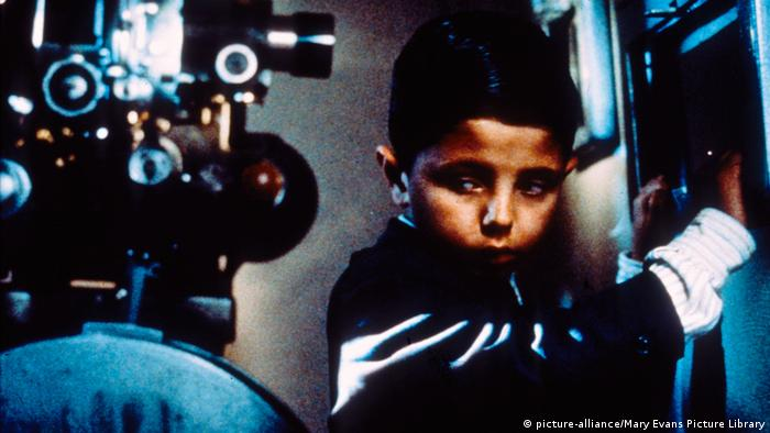 Salvatore Cascio in Cinema Paradiso (picture-alliance/Mary Evans Picture Library)