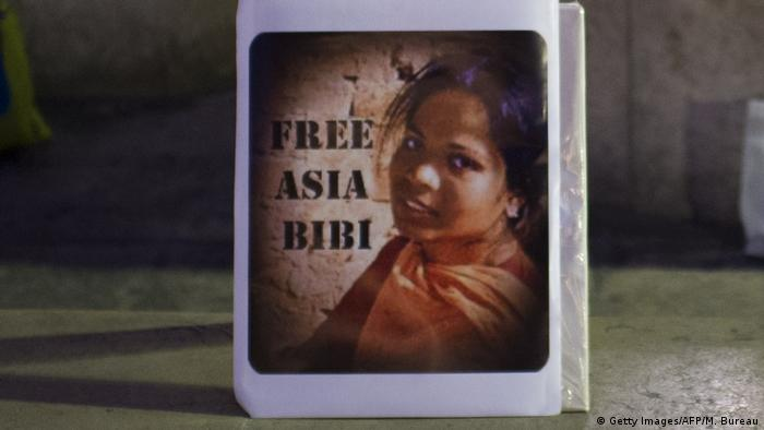 A sign reading 'Free Asia Bibi' on display at a Paris protest. Archive photo from 2014.