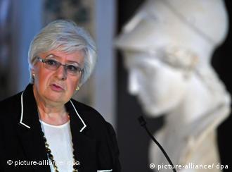 Die Literaturkritikerin Sigrid Löffler bei den Feierlichkeiten zur Verleihung der Goethe-Medaille Foto: Martin Schutt dpa/lth +++(c) dpa - Bildfunk+++