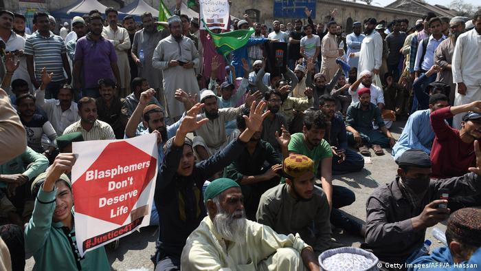 Protestos contra a libertação da cristã paralisaram o Paquistão por três dias