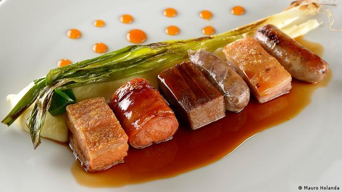 En el séptimo puesto, A Casa do Porco es el mejor restaurante brasileño de los nueve que figuran en la lista de los 50 mejores restaurante latinoamericanos. Una de sus especialidades, este puerco en seis versiones.