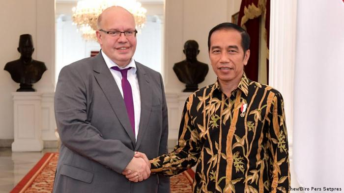 Indonesischer Präsident Joko Widodo trifft Wirtschaft und Energie Minister Peter Altmaier (L. Rachev/Biro Pers Setpres)