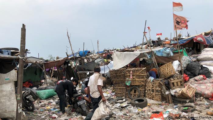 Müllkippe in Tangerang, Indonesien (DW/M. Kasper-Claridge)