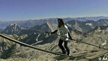 Deutschland Schweiz Hochseilartist Freddy Nock auf der Zugspitze