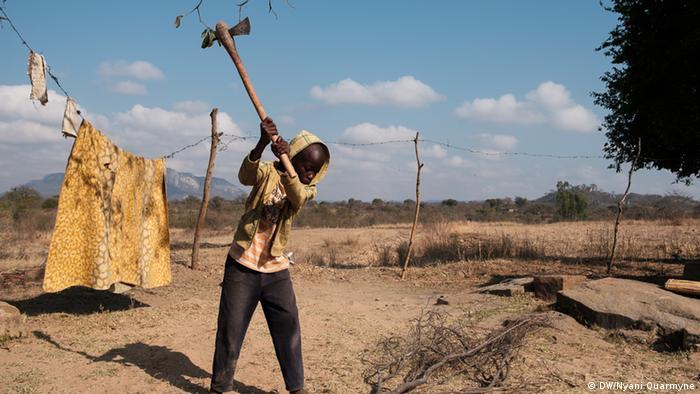 Simbabwe Murambinda Works (DW/Nyani Quarmyne)