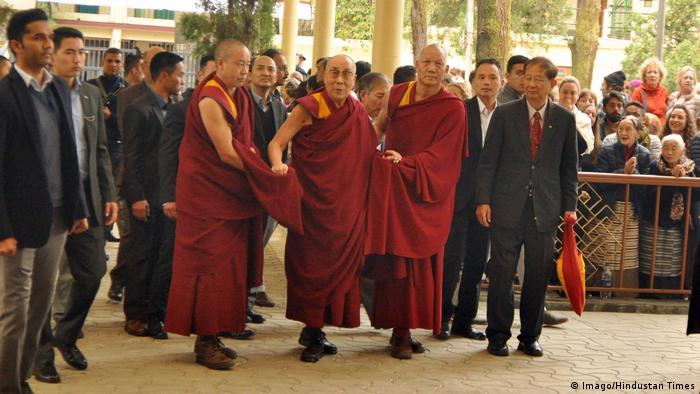 Indien Dharamshala Dalai Lama trifft Wissenschaftler aus China (Imago/Hindustan Times)