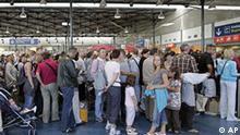 Frankreich Flughafen Charle de Gaulle in Paris Abfertigung