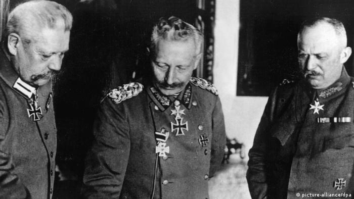 Paul von Hindenburg, Guilherme 2º e Erich Ludendorff