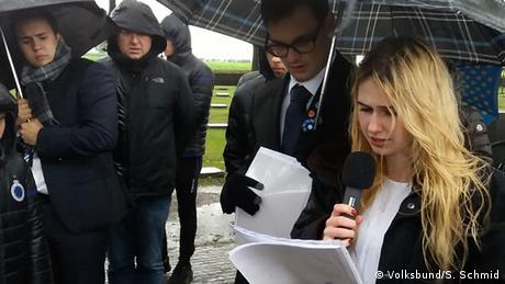 Belgien | Christoph Sentis und Rebecca Böhmer auf der Gedenkstätte in Ypern