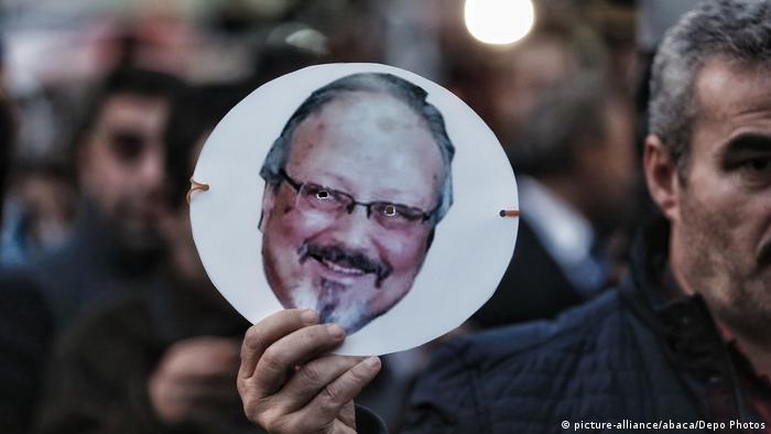 Türkei Istanbul | Protest gegen Mord an Jamal Khashoggi vor Konsulat Saudi-Arabiens (picture-alliance/abaca/Depo Photos)