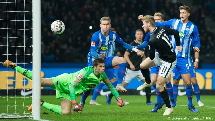 Fußball Bundesliga Hertha BSC - RB Leipzig (picture-alliance/dpa/A. Hilse)