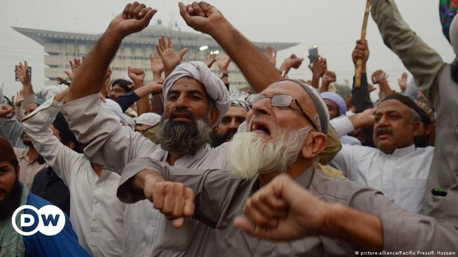 Pakistan protests: Why the Islamist TLP party is now a major political force