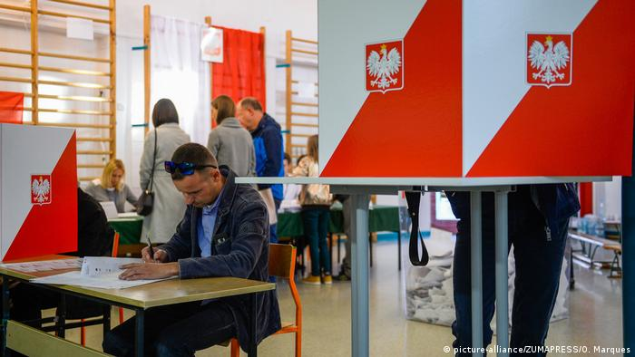 Voting in Warsaw