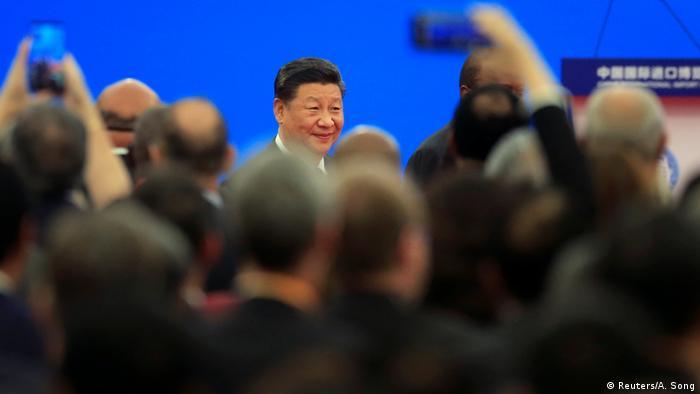 China Xi Jinping verspricht weitere wirtschaftliche Öffnung seines Landes (Reuters/A. Song)