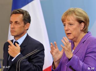 Komorowski insists Poland must be closer to Germany and France