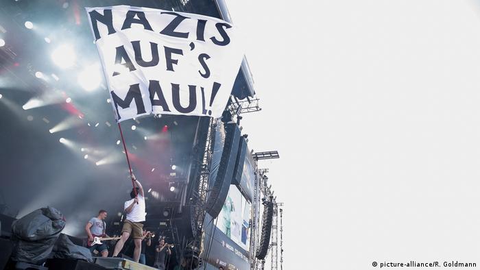 Feine Sahne Fischfilet, Punkband aus Mecklenburg-Vorpommern | Rock am Ring 2015
