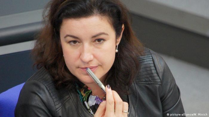 Dorothee Bär CSU in Lederjacke (picture-alliance/W. Minich)