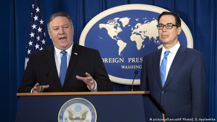 USA PK Iran Sanktionen Mike Pompeo und Steven Mnuchin (picture-alliance/AP Photo/J. S. Applewhite)