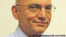 Dr. Roland Götz
