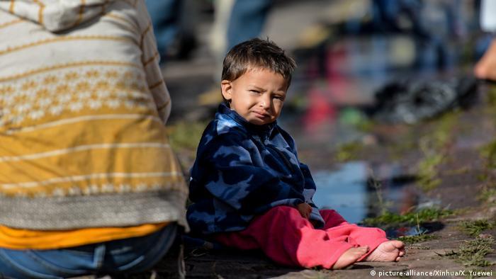 Mexiko Flüchtlinge aus Mittelamerika auf dem Weg in die USA (picture-alliance/Xinhua/X. Yuewei)