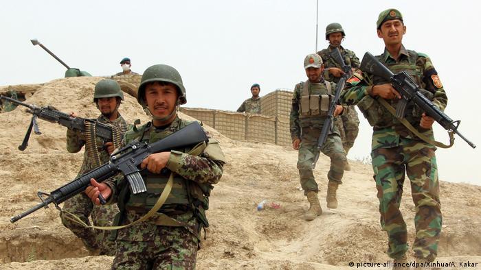 Afghanistan - Afghanische Soldaten in Kundus (picture-alliance/dpa/Xinhua/A. Kakar)