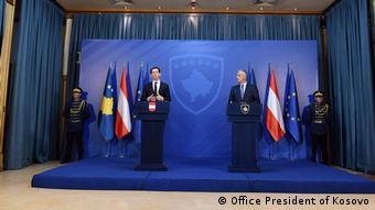 Kosovo Österreich Kanzler Sebastian Kurz Pressekonferenz mit Präsident des Kosovo Hashim Thaci (Office President of Kosovo)