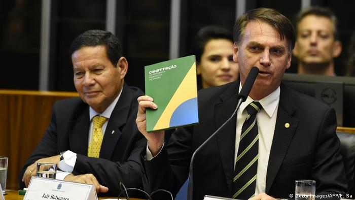Brasilien Bolsonaro 30 Jahre Verfassung Barsiliens (Getty Images/AFP/E. Sa)